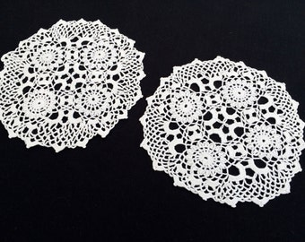 Set of 2 Vintage Round Lace Doilies. Crocheted White Cotton Lace Doilies. RBT0955