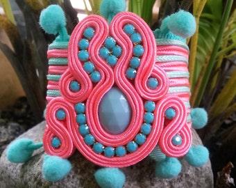 Soutache bracelet with Modronos