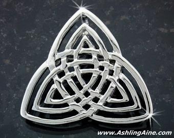 Triple Trinity Knot Brooch/Pendant (#JPEW5889)