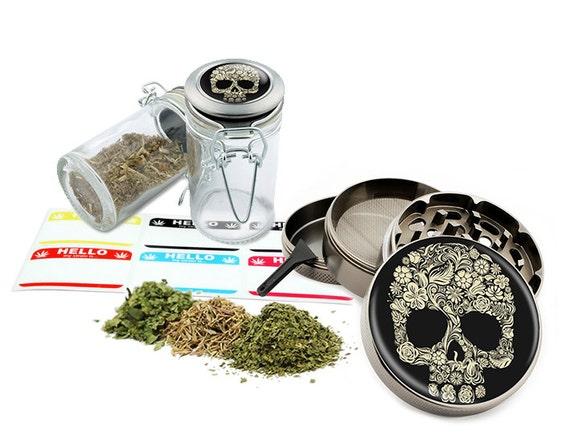 "Sugar Skull - 2.5"" Zinc Alloy Grinder & 75ml Locking Top Glass Jar Combo Gift Set Item # G021615-038"