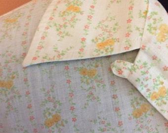 Vintage 70s, Floral Cotton, Nerdy Short Sleeve Button Blouse (A023)