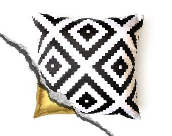 Scandinavian Print Pillow - Black and White Pillow - Decorative Pillow cover - Cushion Cover  - Scandinavian Decor