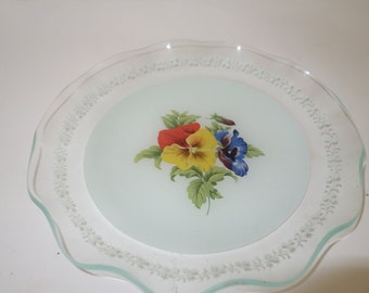 Glass plate wavy edge and floral motif