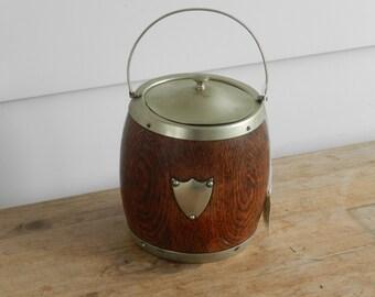 Old English Oak Biscuit Barrel
