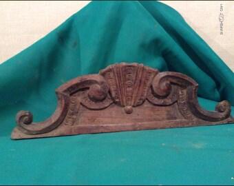 Wooden frieze