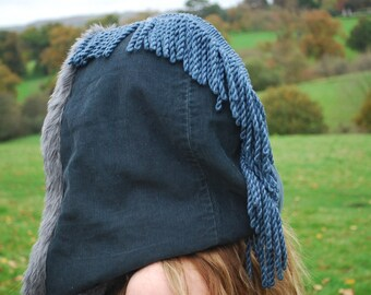 Navy blue mohican fur lined hood.
