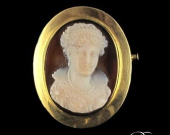 On Agate 18K Yellow Gold cameo brooch 19th antique jewelry