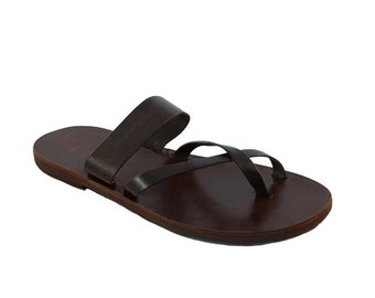 Notos leather sandals