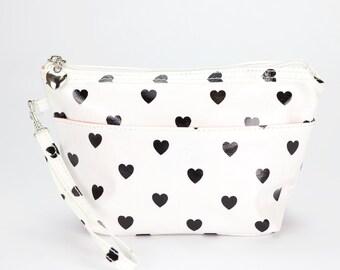 Medium Makeup bag- Oilcloth Cosmetic pouch- Oil cloth Makeup case- Ladies Beauty pouch Cosmetic Zipper bag Beauty purse Love heart polka dot