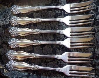 Arbutus silver pie forks