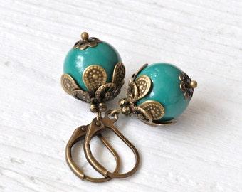 Vintage dark green earrings