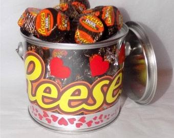 American Reese's peaut butter dark miniatures Valentine gift pot