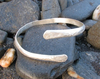 Chunky hammered silver bangle
