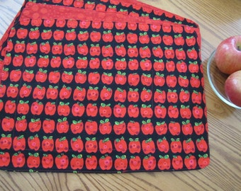 Reversible Placemats - Smilling Apples - Set of 4