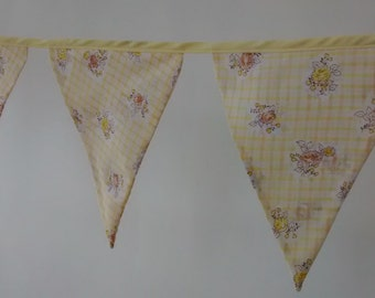 Yellow Bunting, Fabric Bunting, Yellow Flower and Check Bunting, Garden Bunting (REF B04)