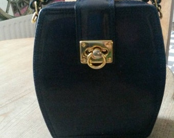 SALE ....Mod Navy faux leather Box Hand Bag. Top Handle.