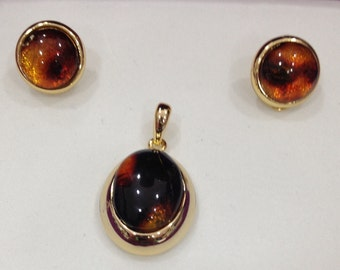 amber set earrings and pendant