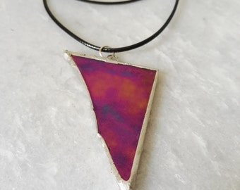 Stained glass jewelry, iridenserend stained glass pendant