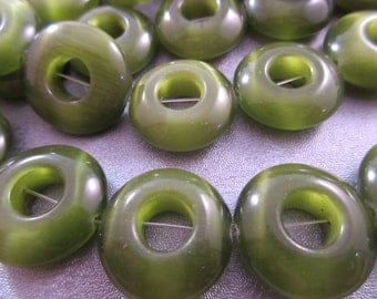 Green Cat's Eye Donuts Beads 17pcs