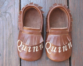 BrownToddler Moccasins, Monogrammed Shoes, Personalized Baby Moccasins,Infant moccasins,Baby Boy moccasins,Girl Baby Shoes,Set 0-3m to 4t