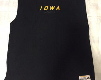 University of Iowa Sleaveless T-Shirt XL, Embroided Logo