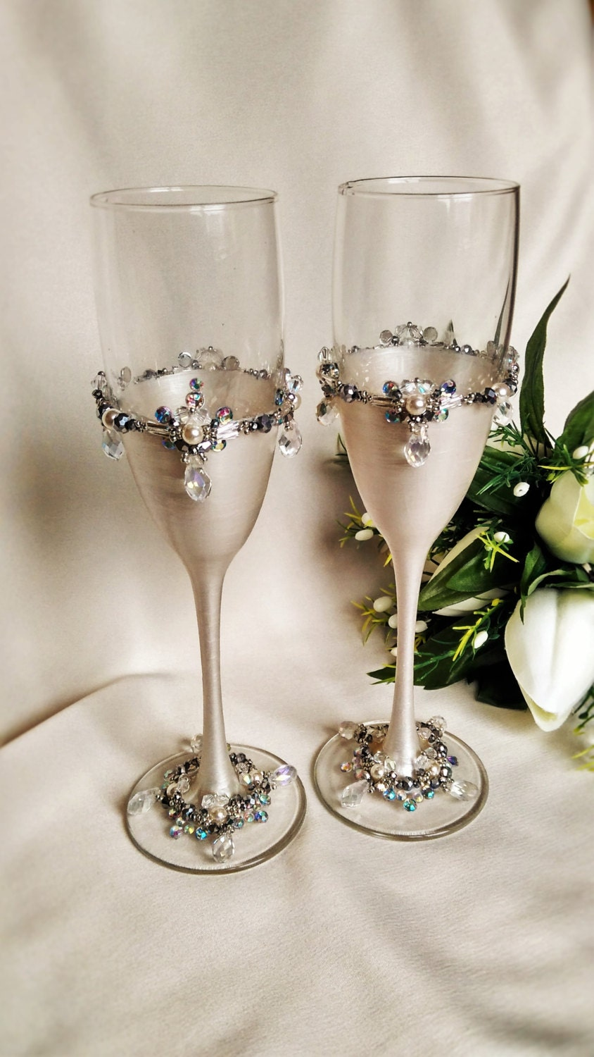 personalized glasses champagne flutes silver by. Black Bedroom Furniture Sets. Home Design Ideas