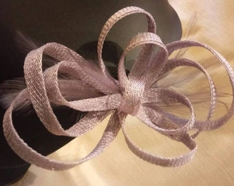 Bow Fascinator with feathers. Quartz colour.