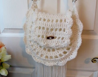 Feminine BoHo / Hippie Chic Gypsy Floral Fringe Crochet Purse / Bag