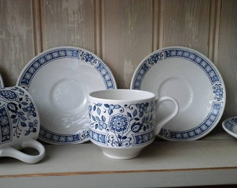 Broadhurst Nankin cups and saucers~Broadhurst cups~Broadhurst and sons~Broadhurst and sons Nankin~vintage blue and white~vintage cups~Nankin