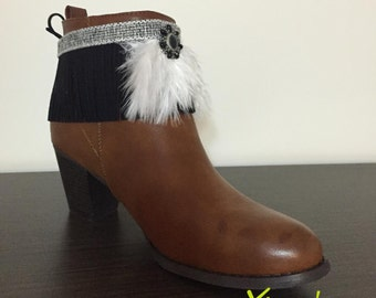 Ethnic overboots with white feathers