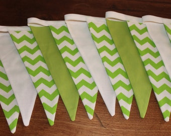 Garland of pennants - Chevrons-lime