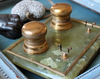 Former Inkwell alabaster and gilded brass - support to pen - accessory office - Decor Office - setting 30s - ENC170854