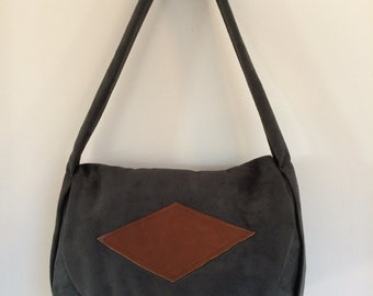 Versatile handcrafted shoulder bag, everyday bag, shoulder handbag