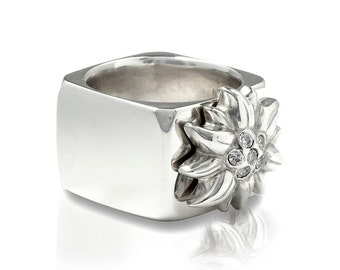 square silver ring with Edelweiss, Edelweiss Ring, Traditional Jewellery, Bavarian Style, Oktoberfest, hiking, outdoor, Alpenglow