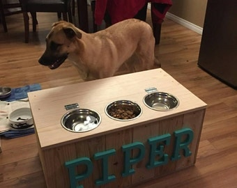 Dog feeder boxes