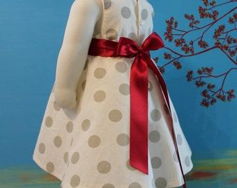 Elegant and refined dress for little girl