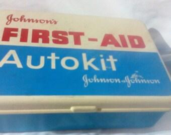 Johnson  & Johnson First Aid Auto Kit