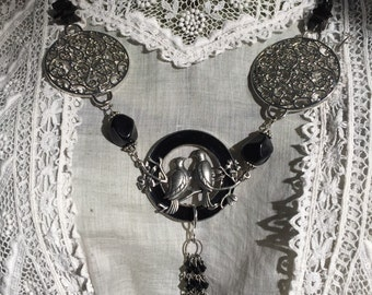Lovebirds pendant necklace