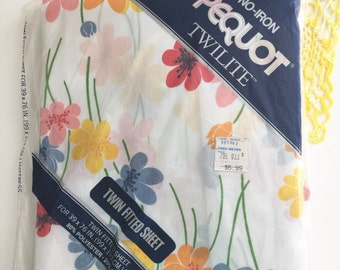 Vintage Pequot TWIN Daisey Fitted Sheet