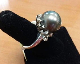 Gold 14 K Ring  with Pearl & DIA