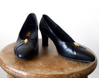 Vintage 1990's, Black Leather, Gold Embellished, Thick Heeled, Shoe, Low Pump, Heel