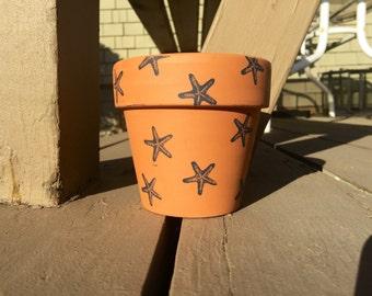Starfish clay pot
