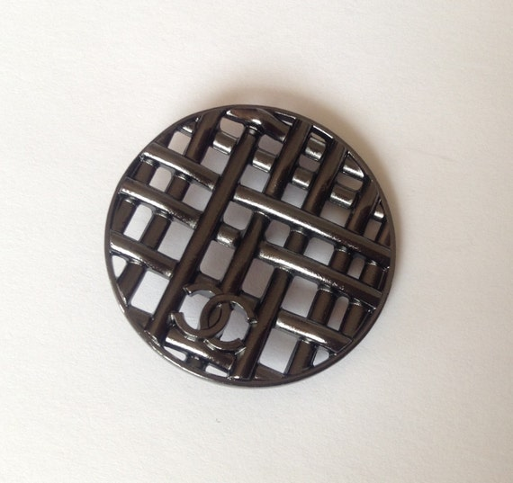 1x XL size D33mm Authentic Chanel black enamel CC logo button