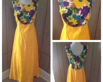 Vintage 70's Hawaiian maxi dress - m
