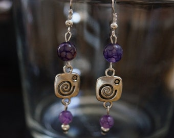 PAIR OF EARRINGS with peals agate purple