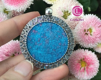 Pendant silver with just in resin