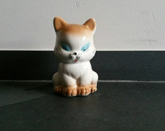 Kitsch Kitten Cat with Closed Eyes Figurine