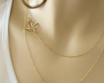 Layered Necklace with A Flying Bird Gold Bird Necklace for Bridesmaid Double Layer Necklace Open Bird Charm Nature Lover Flying Seagull