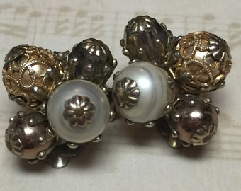 Vintage Vogue Clip Earrings with White and Gold Tone Spheres