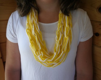 yellow and white chain link scarf
